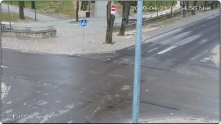 Wejście do Parku Miejskiego - widok z budynku Szkoły Podstawowej Nr 3